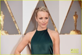 Rachel McAdams wearing August Getty Atelier in 2016