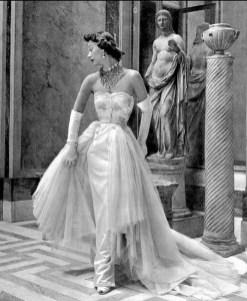 Sophie Malgat wearing Jacques Fath at Musée Jacquemart-André 1949