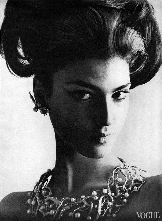 Benedetta Barzini, Vogue January 1964