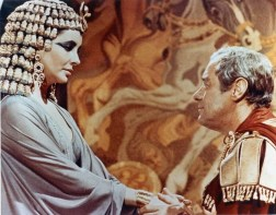 Elizabeth Taylor and Rex Harrison as Ceasar