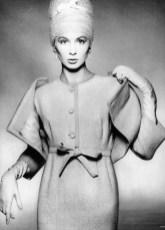 Suzy Parker wearing a greige wool tweed dress in 1959, photo by Richard Avedon