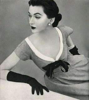 dovima photo john rawlings 1952