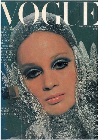 Vogue UK December 1966, photo by David Bailey