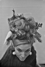 Christmas hairstyle 1960s