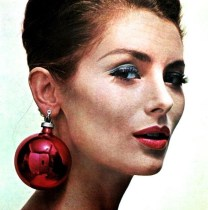 Christmas ball earrings 1960s