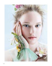 Harpers-Bazaar-Vietnam-Madison-Moehling-Jingna-Zhang-6