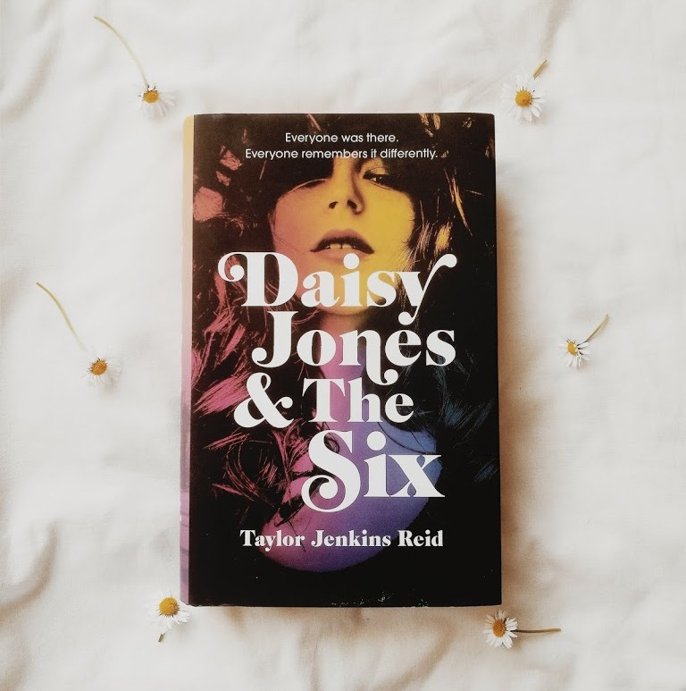 beat a reading slump, overcome a reading slump, book blogger, daisy jones and the six review