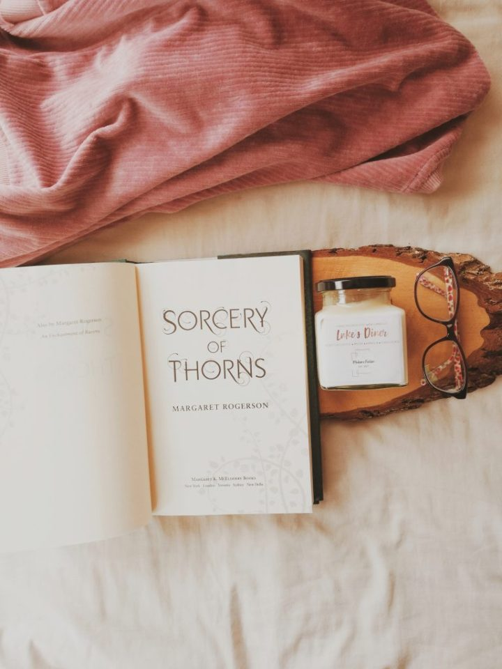 a book review by missmaddychats, sorcery of thorns