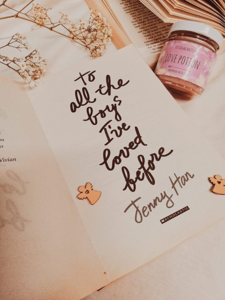 candle and book to all the boys I've loved before, book blogger for a gift guide for candles enthusiasts