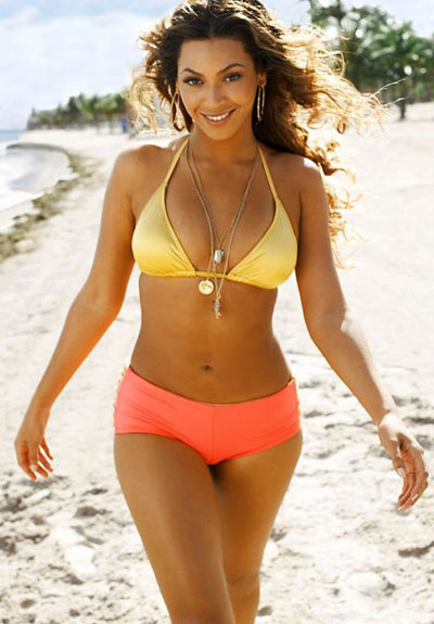 beyoncé wearing a swimsuit on the beach