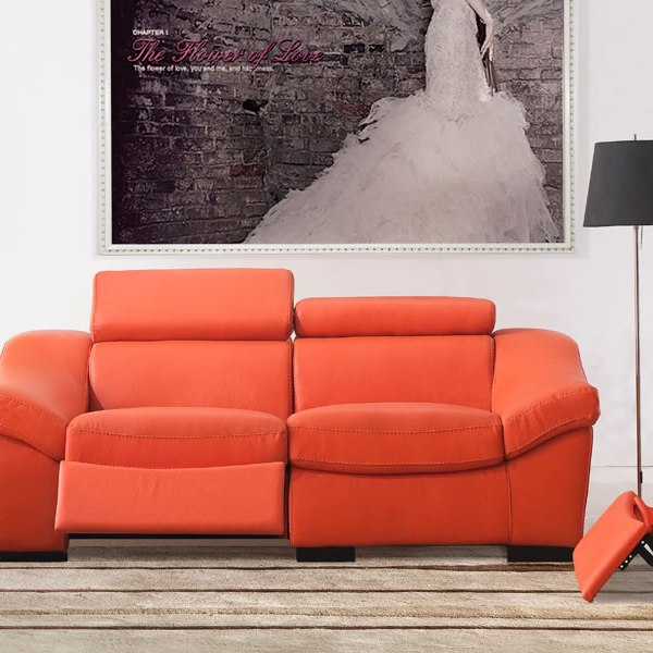 Artful Ways to Liven Up Your Living Room Decor