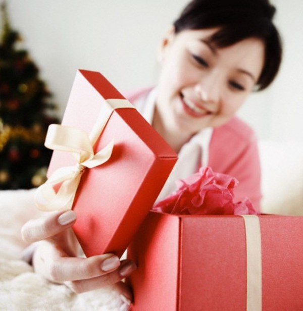 Holiday Shopping Guide for Six Different Personality Types