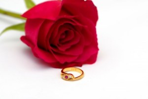 Engagement-Ring-and-Rose