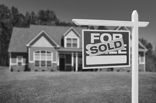 6 Tips for Buying Your First Home: What You Need to Know Financially