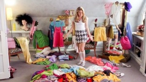 cher picking out an outfit in clueless