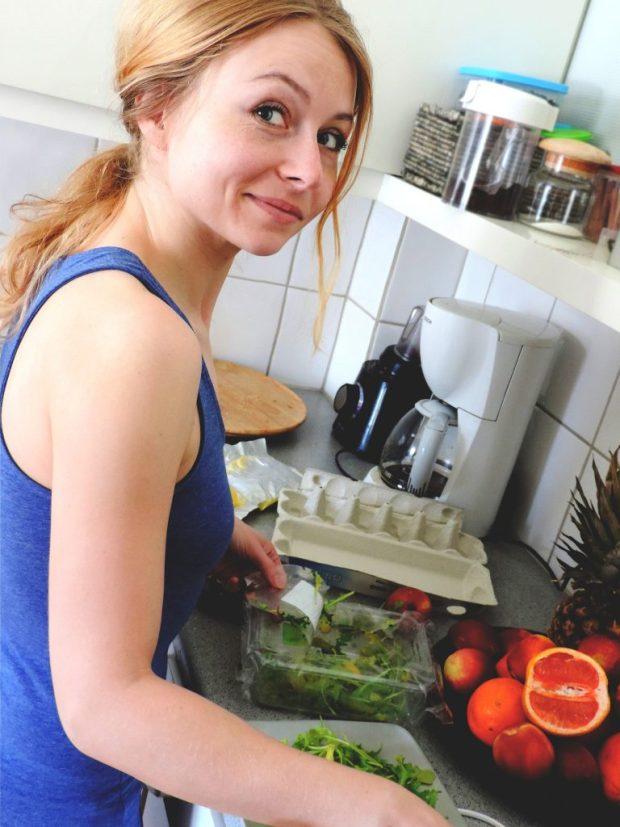 cooking food on minimum wage