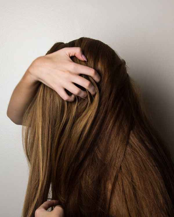 How to Pick the Right Flat Iron for Your Hair