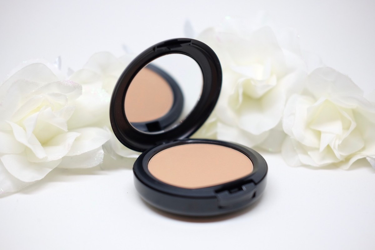 2 in 1 - MAC Studio Fix (Powder & Foundation)