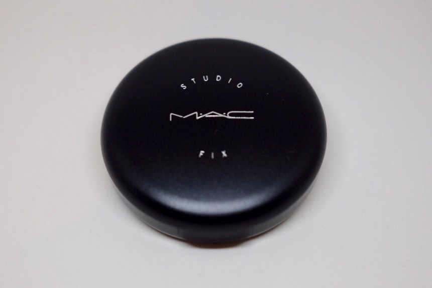 MAC Powder Studio Fix Puderdose