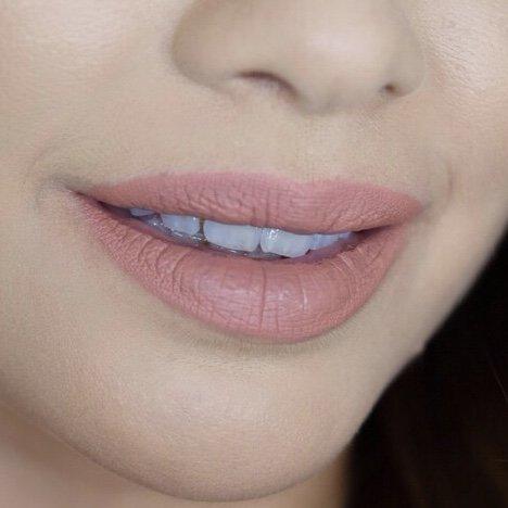 Huda Beauty Bombshell 5 Lips 1