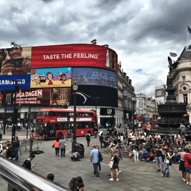 Bucketlist - Piccadilly Circus