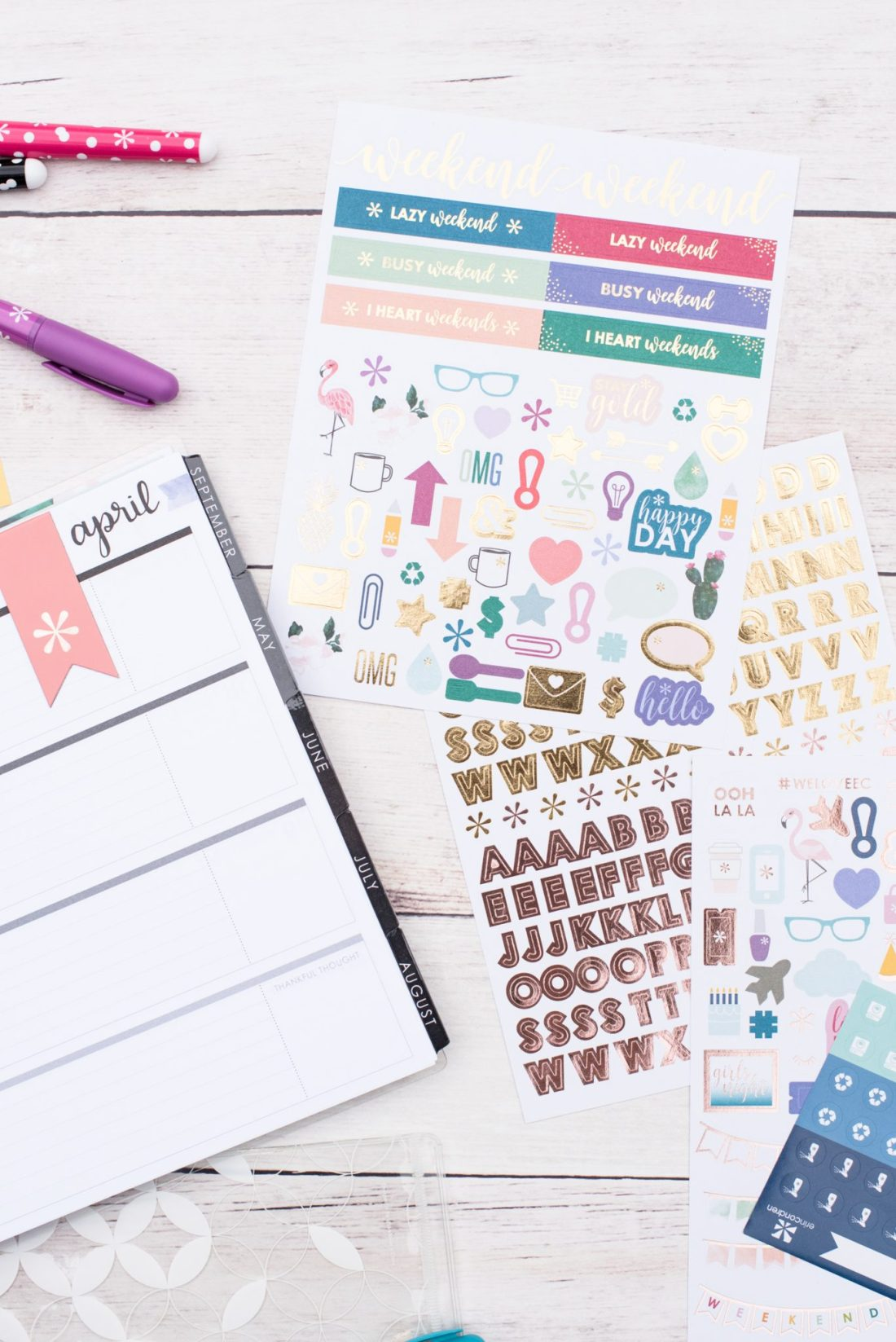 Getting Organized with the Erin Condren Life Planner via @missmollymoon