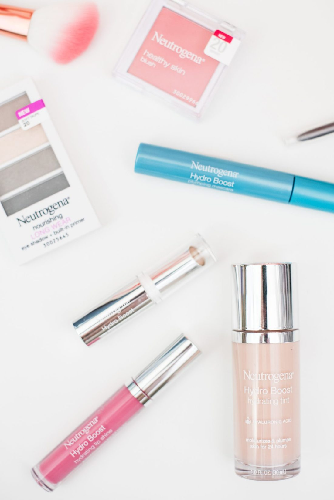 Combat Winter Dry Skin with Neutrogena HydroBoost Makeup #ad // Miss Molly Moon