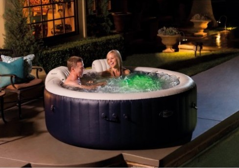 4 Person Portable Inflatable Hot Tub Bubble Jet Spa. Inflatable jacuzzi for garden decor