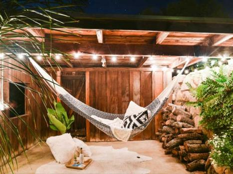 Backyard hammock that add a unique personality to your garden