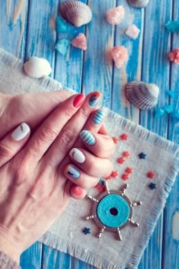 Beach summer nails