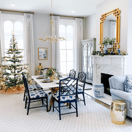 Christmas dining  table - bright decor. Modern Farmhouse Christmas tree