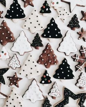 Christmas tree cookies wallpaper for iPhone background