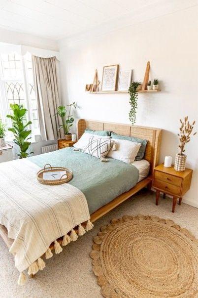 Cozy bohemian bedroom decor