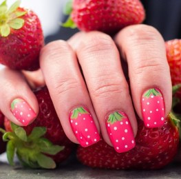 Cute strawberry nails design