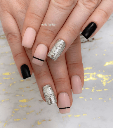 Easy winter nail design to recreate at home