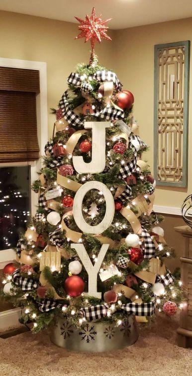 Farmhouse Christmas tree decorating inspiration