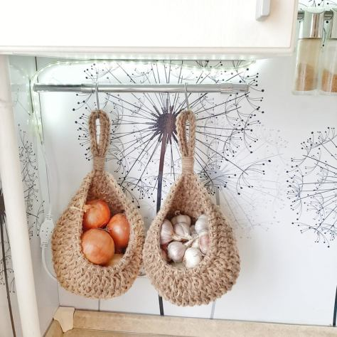 Farmhouse jute knitted storage basket