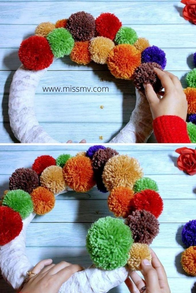 Handmade pom pom wreath tutorial.