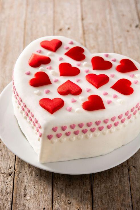 Luxury heart shape fondant cake decorating for Valentines Day