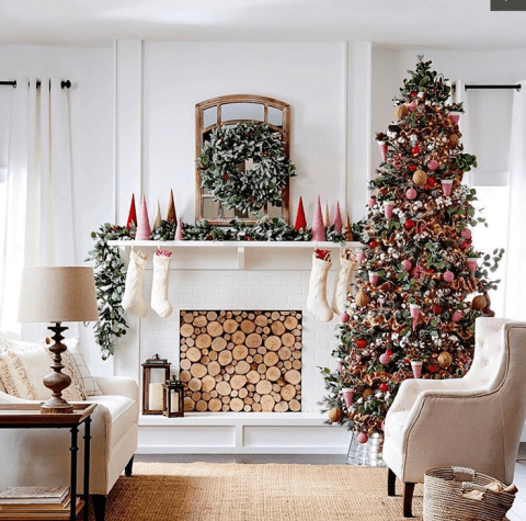 Marvelous Christmas decoration with fireplace