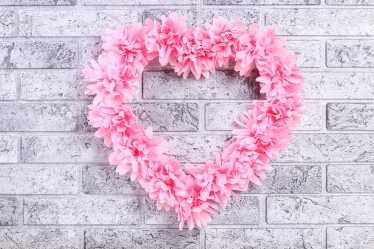 Paper flowers heart shape wreath
