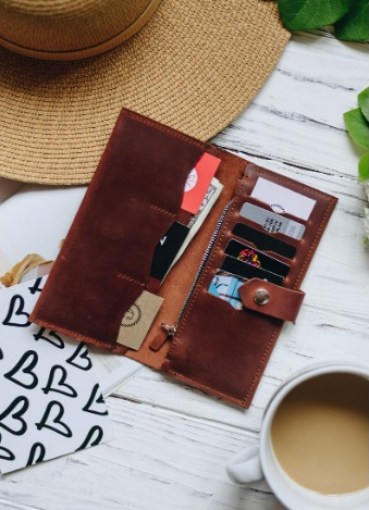 Personalized leather clutch for womens. Leather wristlet wallet for women