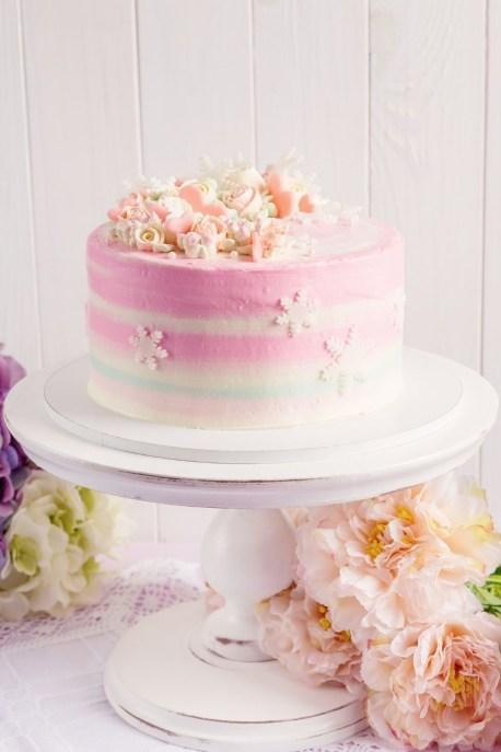 Pink cute classic cake decorating