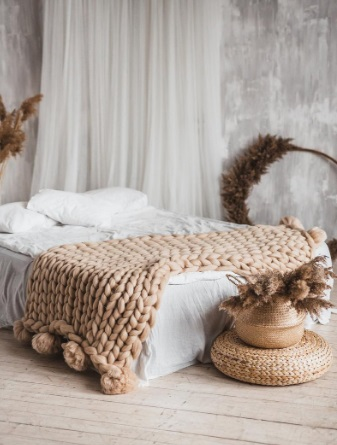 Pom Pom Blanket, Chunky Blanket, Chunky Knit Blanket, Arm Knit Blanket, Pom Pom Throw, Wool Blanket, Merino Wool Blanket, Wool Throw Blanket