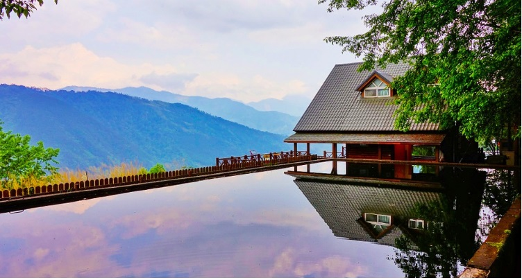 Retreat places - spa detox in Alps. Why not choose a retreat place to escape the city life and recharge your batteries