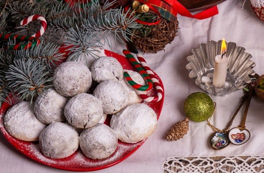 Russian snowball cookies recipe. Russian snowball