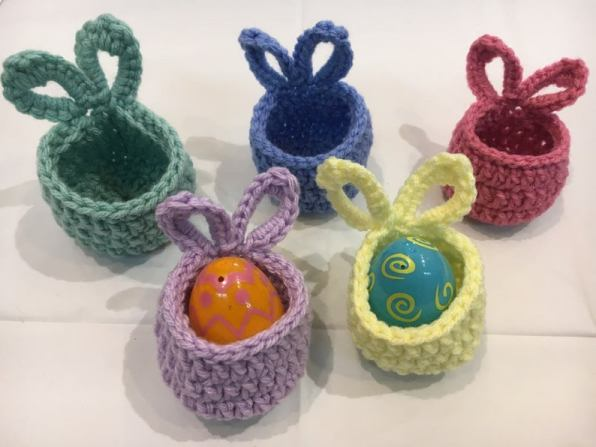 Set of 10 crochet Easter basket