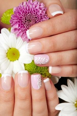 Simple summer design for medium length nails