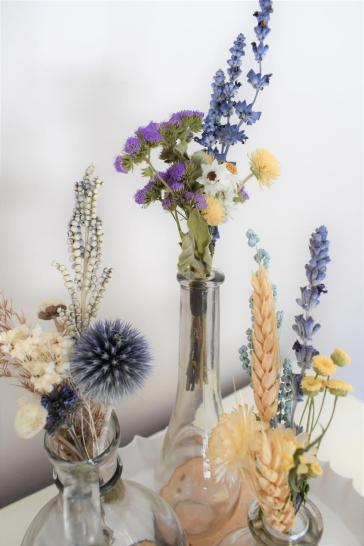 Small Dried Flower Bunches for Table Decor