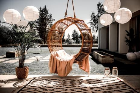 Spectacular rattan swing chair for patio and decor. Best garden furniture and essentials to create the coziest decor